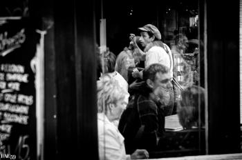 Serveuse de Montmartre