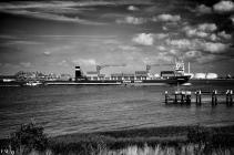 Bateau dans le port d'Anvers